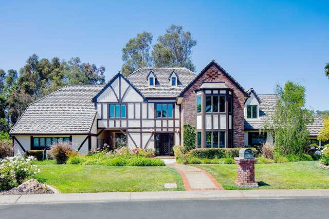 Single Family for Sale at 7 Alviso Dr. Camarillo, California 93010 United States