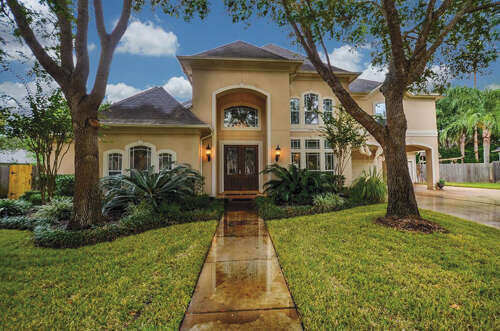 Single Family for Sale at 3307 Oak Tree Court Sugar Land, Texas 77479 United States