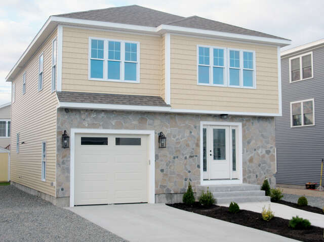 Single Family for Sale at 101 Concord St Seabrook, New Hampshire 03874 United States
