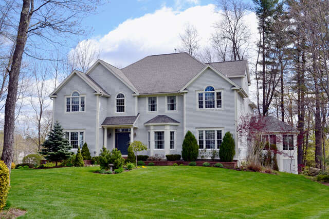 Single Family for Sale at 38 Waterloo Circle Dover, New Hampshire 03820 United States