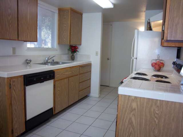 Apartments for Rent, ListingId:2857375, location: 344 W Nees Ave Fresno 93711