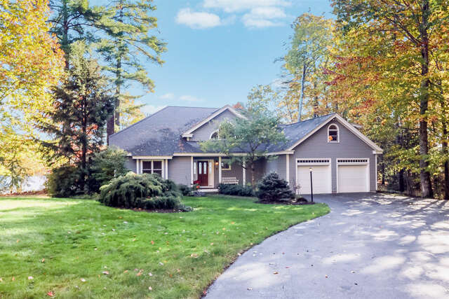 Single Family for Sale at 22 Hopewell Point Rd Wolfeboro, New Hampshire 03894 United States