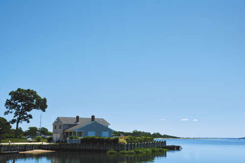 Single Family for Sale at 339 Peconic Bay Blvd Aquebogue, New York 11931 United States