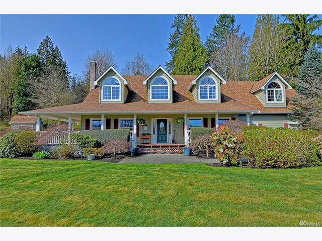 Single Family for Sale at 10310 Elliott Rd Snohomish, Washington 98296 United States