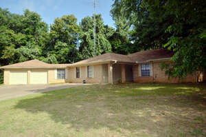Featured Property in Palestine, TX 75803