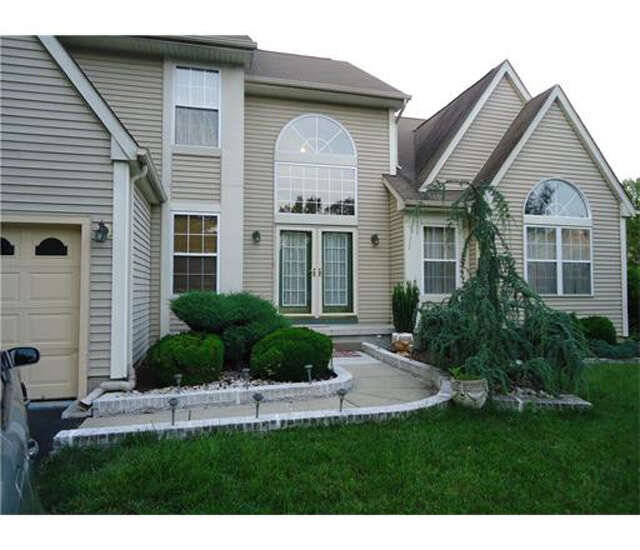 Single Family for Sale at 2 Jesse Court Monmouth Junction, New Jersey 08852 United States