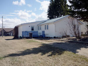 Featured Property in Spirit River, AB T0H 3G0