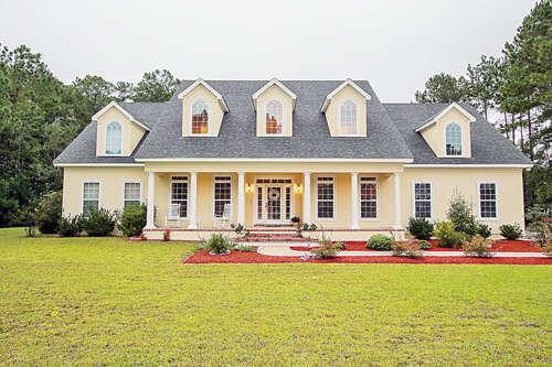 Single Family for Sale at 132 Abercorn Lane Richmond Hill, Georgia 31324 United States