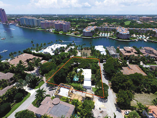 Additional photo for property listing at 400 SE Spanish Trail  Boca Raton, Florida 33432 United States