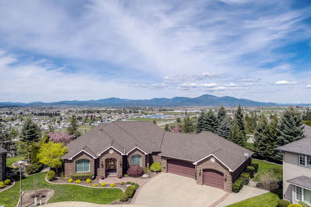 Single Family for Sale at 770 N Skye Ct Post Falls, Idaho 83854 United States