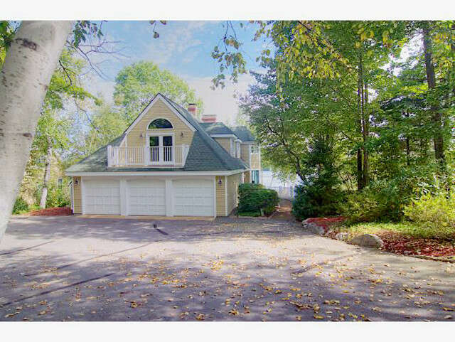 Single Family for Sale at 27 Grouse Hollow Meredith, New Hampshire 03253 United States