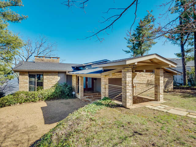 Single Family for Sale at 725 E Brow Rd Lookout Mountain, Tennessee 37350 United States