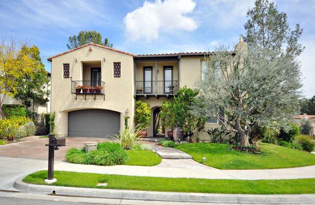 Single Family for Sale at 24807 Avenida Presidio Valencia, California 91355 United States