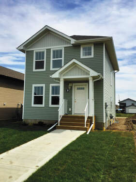 Featured Property in Sylvan Lake, AB T4S 0N2