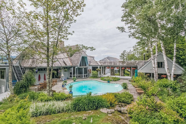 Single Family for Sale at 211 Cider Hill Rd Warren, Vermont 05674 United States