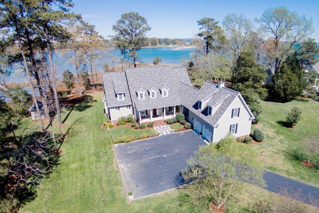 Single Family for Sale at 319 Poynt Landing Road Urbanna, Virginia 23175 United States