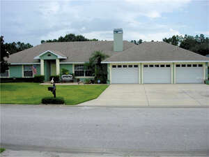 Featured Property in Auburndale, FL 33823