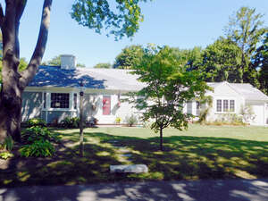 Featured Property in Hyannis, MA 02601