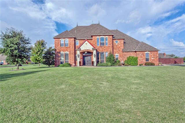 Single Family for Sale at 1301 N Tea Olive Way Mustang, Oklahoma 73064 United States