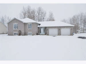 Real Estate for Sale, ListingId: 42316490, Greely, ON  K4P 1R3