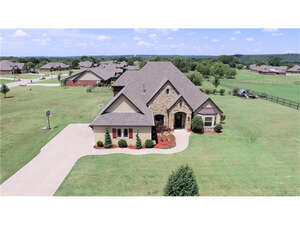 Featured Property in Sand Springs, OK 74063