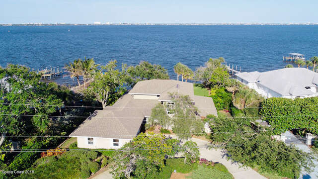 Single Family for Sale at 839 Indian River Drive Melbourne, Florida 32935 United States