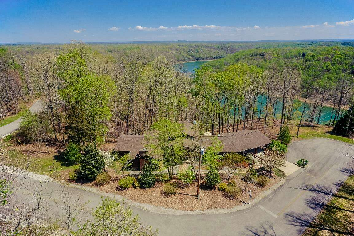 Single Family for Sale at 130 Mountain Lake Trace Sparta, Tennessee 38583 United States