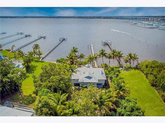 Single Family for Sale at 90 NW Alice Street Jensen Beach, Florida 34957 United States