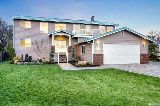 Single Family for Sale at 831 Livingston Bay Shore Dr Camano Island, Washington 98282 United States