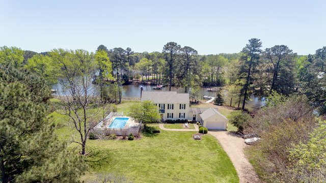 Single Family for Sale at 311 Crossing Cove Way White Stone, Virginia 22578 United States