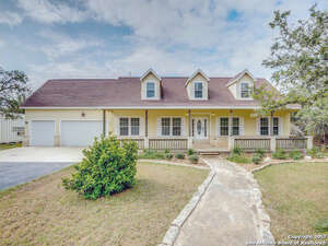 Featured Property in Pipe Creek, TX 78063