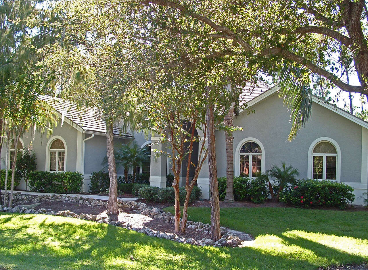 Single Family for Sale at 6673 Stonegate Drive Naples, Florida 34109 United States