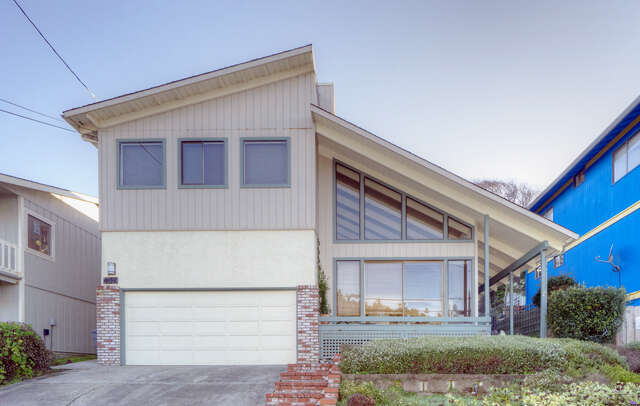 Single Family for Sale at 344 Metzgar St Half Moon Bay, California 94019 United States