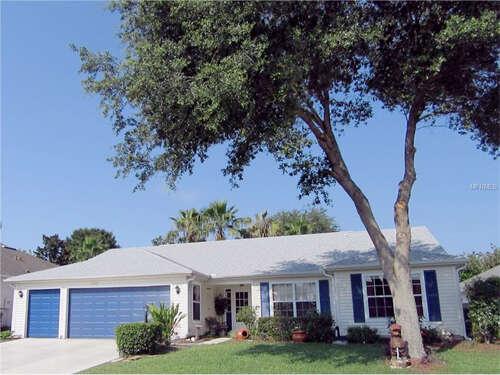 Home Listing at 5016 SAWGRASS LAKE CIRCLE, LEESBURG, FL