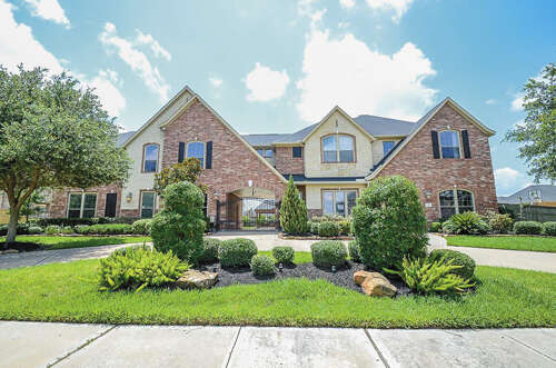 Single Family for Sale at 6106 Waterfall Trace Lane Fulshear, Texas 77441 United States