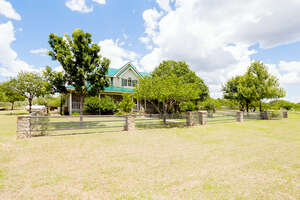 Featured Property in Mason, TX 76856