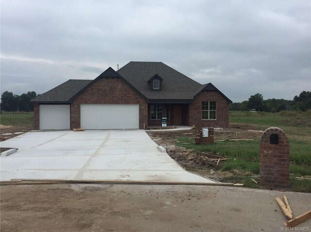 Featured Property in OOLOGAH, OK, 74053
