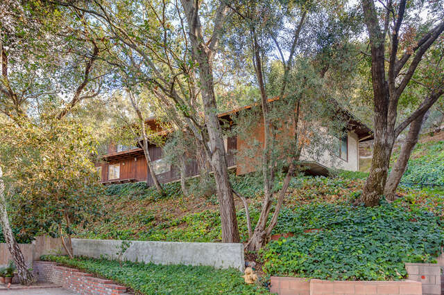 Single Family for Sale at 4270 Mesa Vista Drive La Canada Flintridge, California 91011 United States