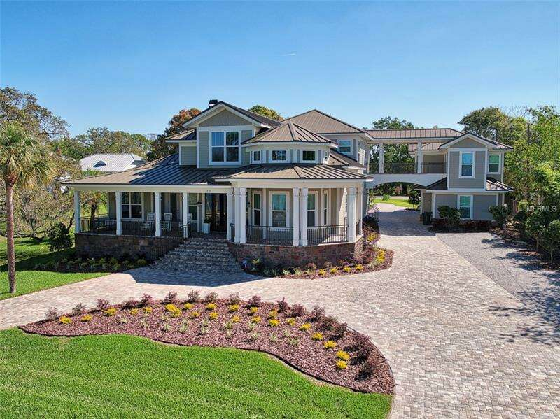 Single Family for Sale at 131 Edgewater Drive Dunedin, Florida 34698 United States
