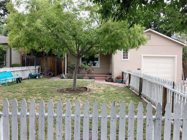 Single Family for Sale at 1515 Hudson St Redwood City, California 94061 United States