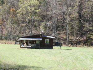 Featured Property in New Milton, WV 26411
