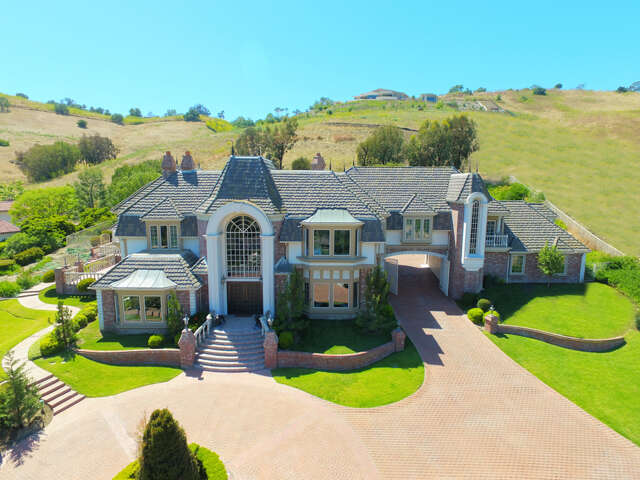 Single Family for Sale at 32171 Peppertree Bend San Juan Capistrano, California 92675 United States