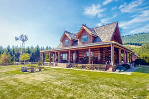 Featured Property in Winlock, WA 98596