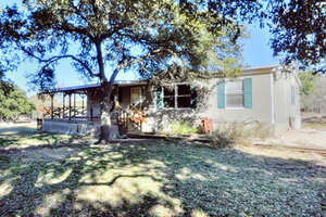 Featured Property in Harper, TX 78631