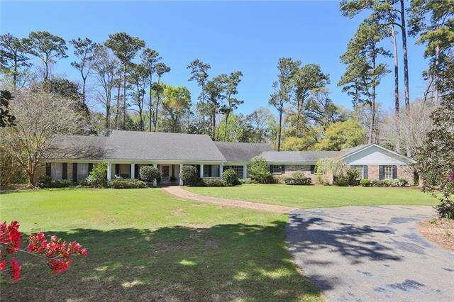 Single Family for Sale at 500 Live Oak St Mandeville, Louisiana 70448 United States