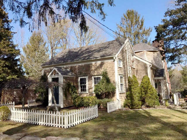 Single Family for Sale at 124 Prince Avenue Marstons Mills, Massachusetts 02648 United States