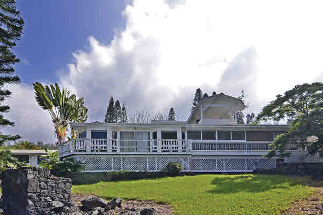 Single Family for Sale at 87-2900 Mamalahoa Hwy Captain Cook, Hawaii 96704 United States
