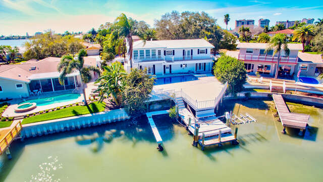 Single Family for Sale at 1208 79th St S St. Petersburg, Florida 33707 United States