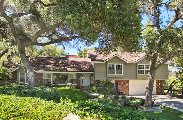 Single Family for Sale at 29188 Via Del Robles Fallbrook, California 92028 United States