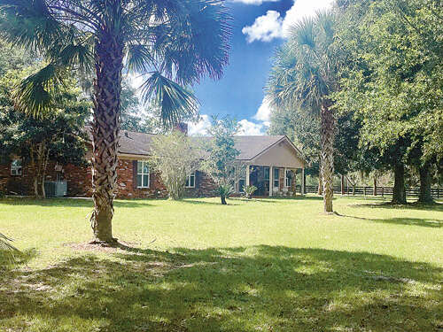Single Family for Sale at 16004 W Hwy 326 Morriston, Florida 32668 United States